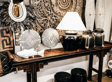 Chinese Console | Lamp | Porcelain | Shield | Rice Container