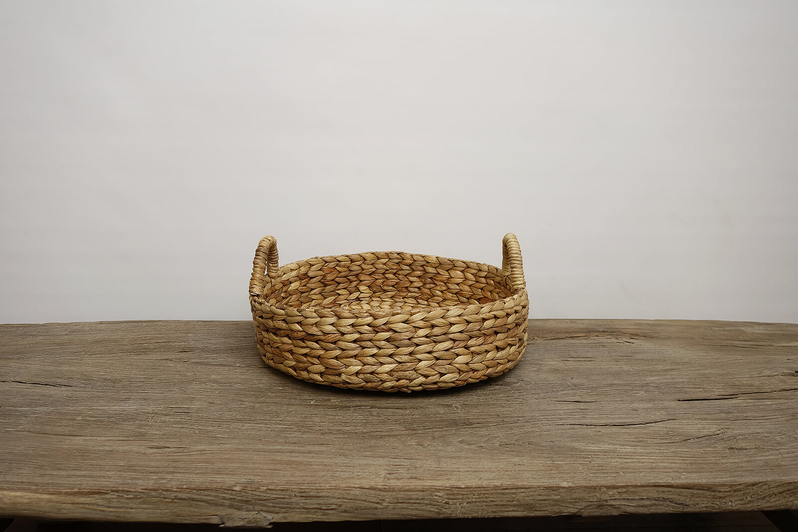 Water Hyacinth Round Tray (l)