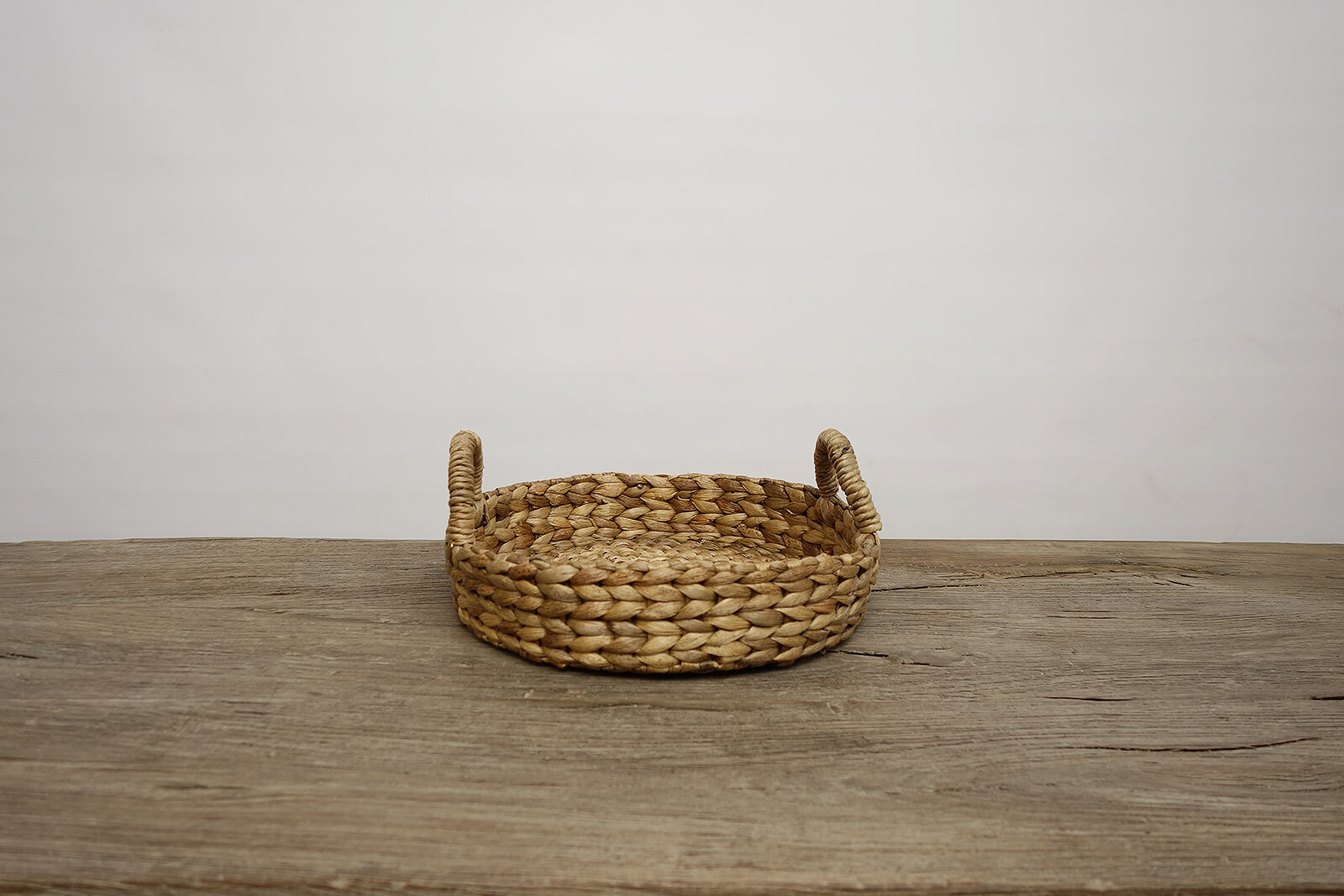 Water Hyacinth Round Tray (s)